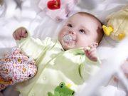 Trẻ 2 tháng tuổi đi ngoài mấy lần một ngày là bất thường?