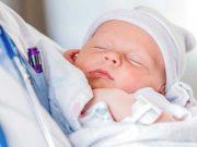 Cẩn trọng khi trẻ sơ sinh bị khò khè ở cổ họng