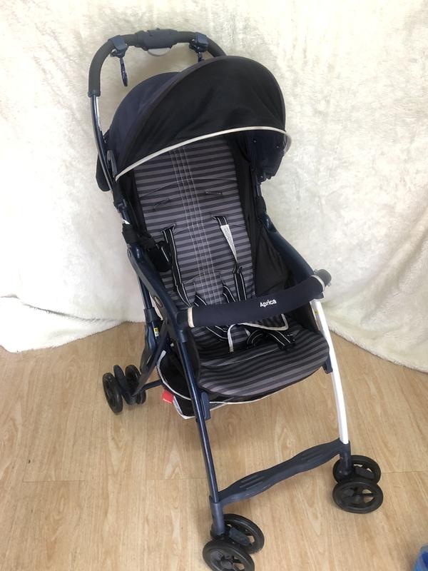 Tổng hợp những mẫu xe đẩy em bé du lịch nhẹ 2