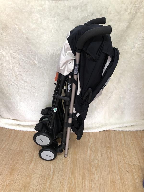 Xe đẩy em bé Aprica Stick Flat thanh lý 8