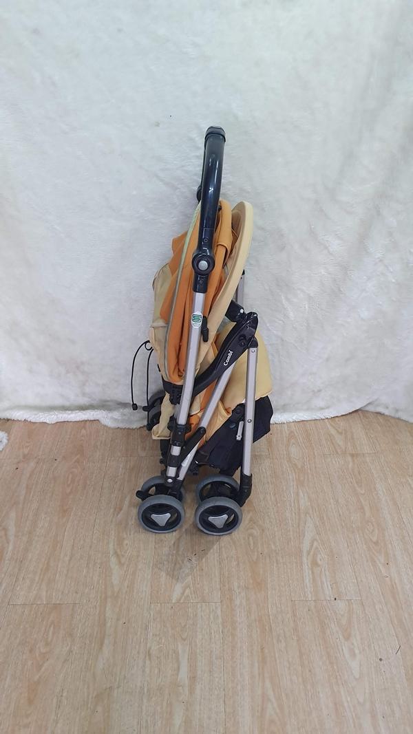 Xe đẩy trẻ em Combi Ricco thanh lý 2