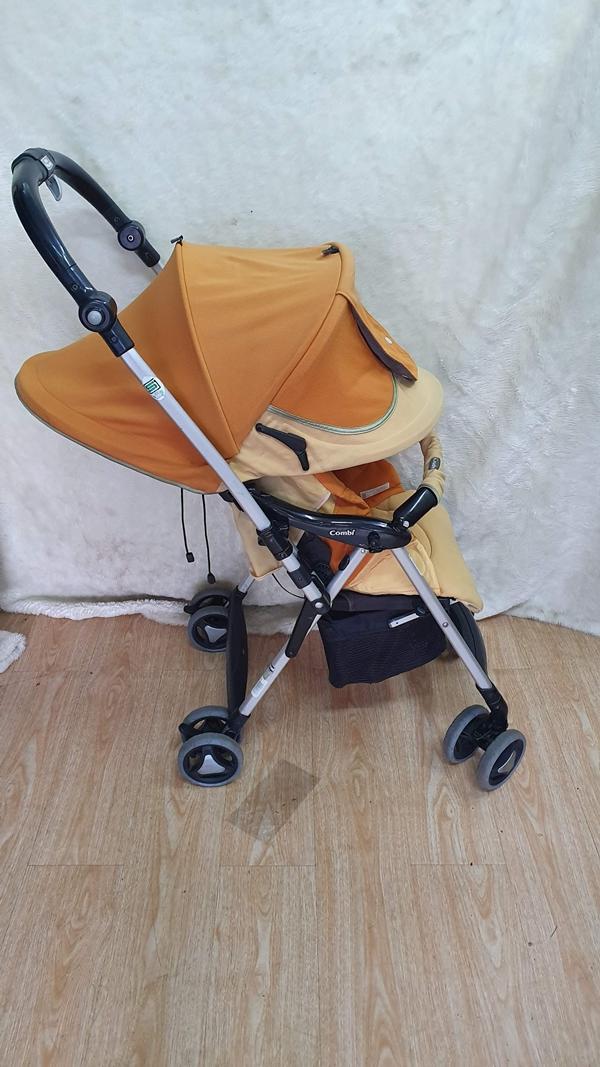 Xe đẩy trẻ em Combi Ricco thanh lý 6