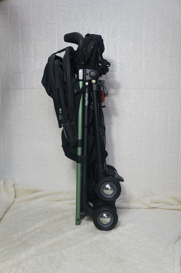Xe đẩy du lịch Aprica Stick Plus M12 thanh lý 2