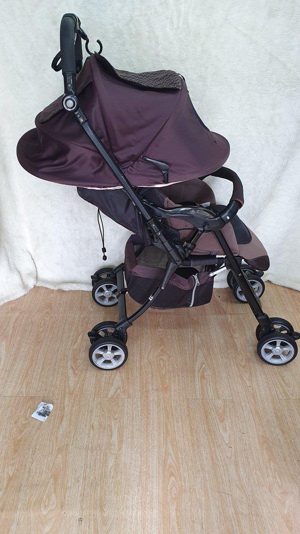 Xe đẩy trẻ em Combi Diaclass auto thanh lý 2