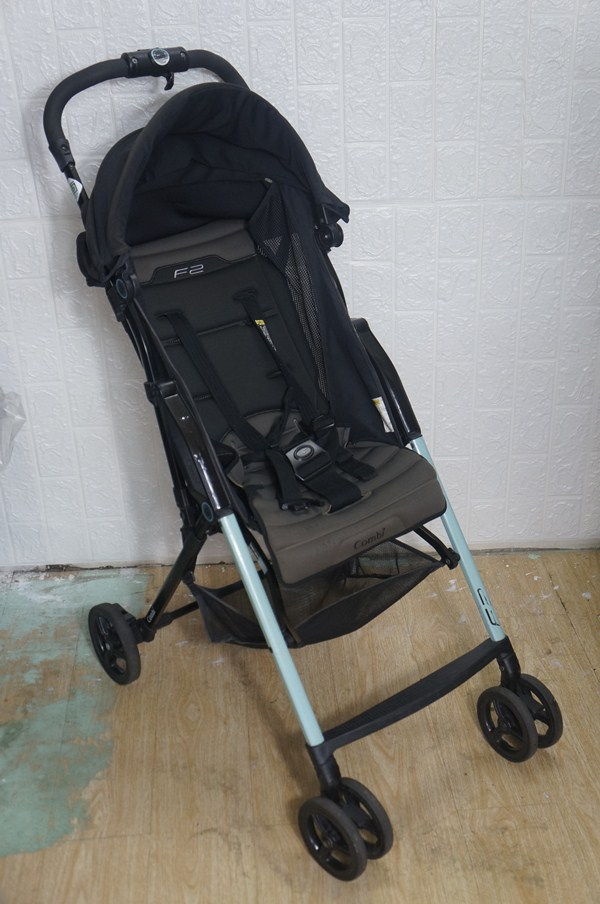 Xe đẩy em bé Combi F2 thanh lý 7