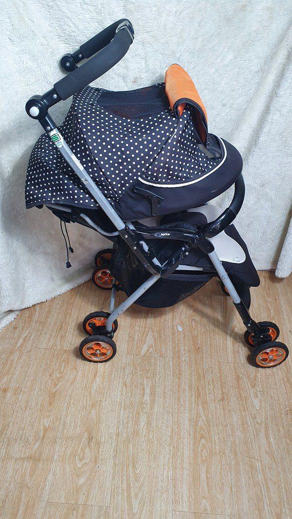 Xe đẩy Aprica Socola chấm bi thanh lý 1