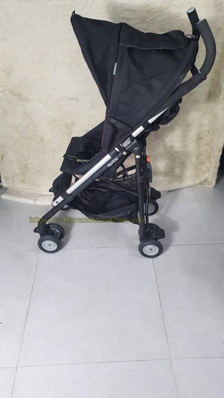 Xe đẩy em bé Aprica Stick thanh lý màu đen đẹp 2