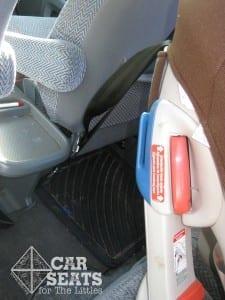 Review và hướng dẫn ghế ngồi ô tô Combi Coccoro 4