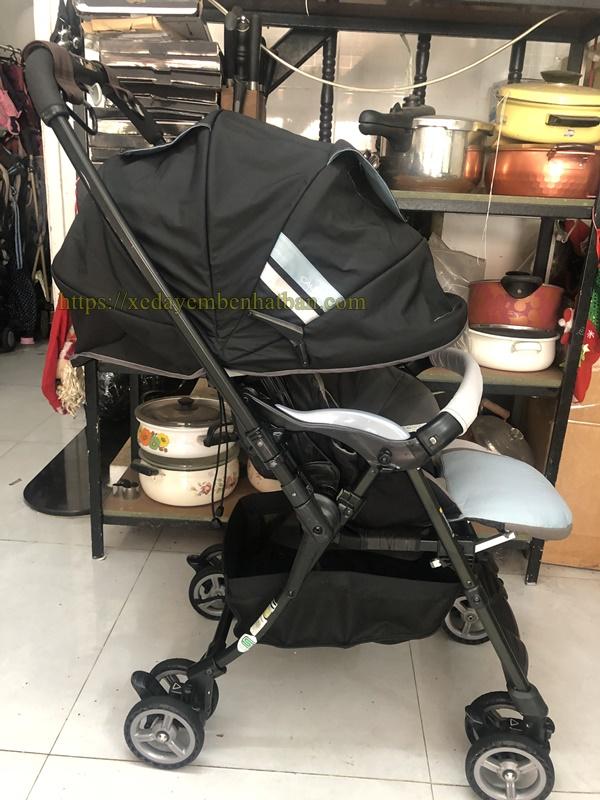 Xe đẩy em bé thanh lý Combi Caldia auto 4 cas 3