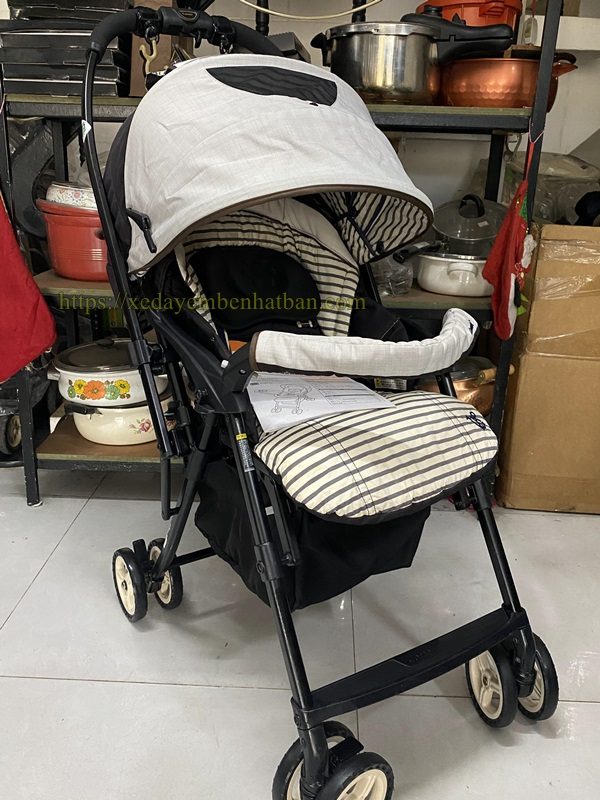Xe đẩy em bé Combi Mechalcal Handy thanh lý 1
