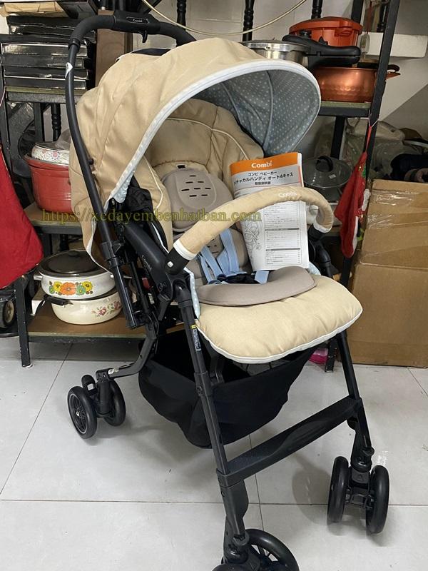 Xe đẩy em bé Combi Mechacal Handy 4cas giá tốt 1