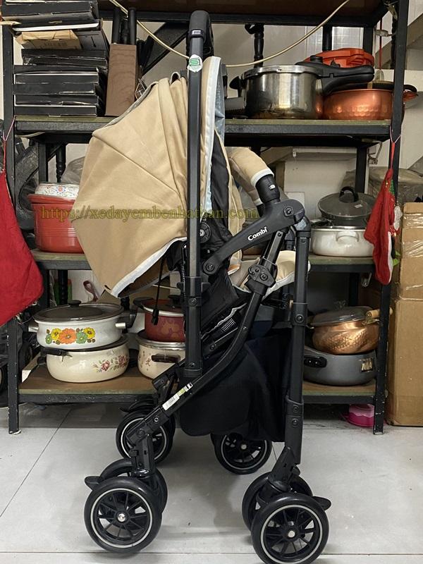 Xe đẩy em bé Combi Mechacal Handy 4cas giá tốt 8