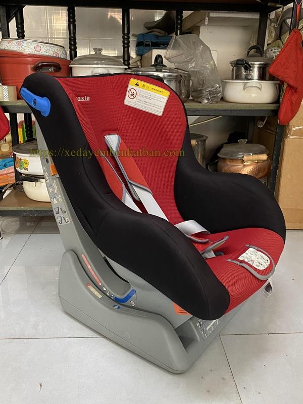 Ghế ngồi ô tô Nhật nội địa cho bé 1