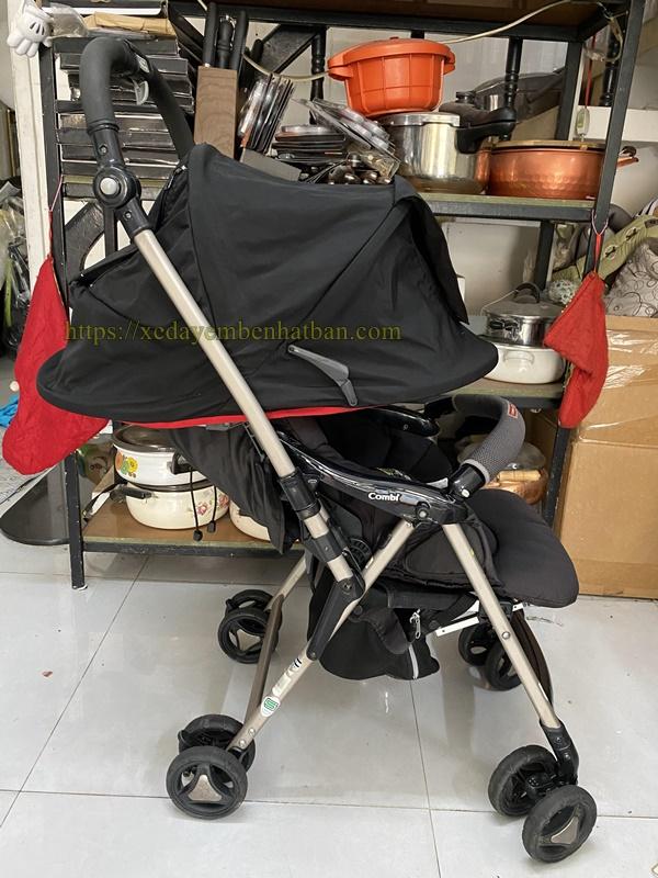 Xe đẩy Combi Ricco W thanh lý 2