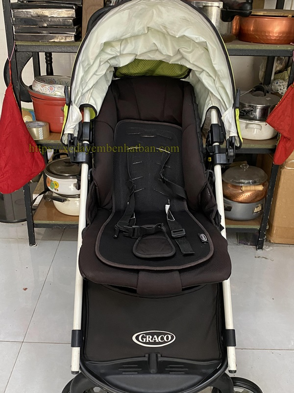 Thanh lý xe đẩy em bé Graco củi du lịch 4