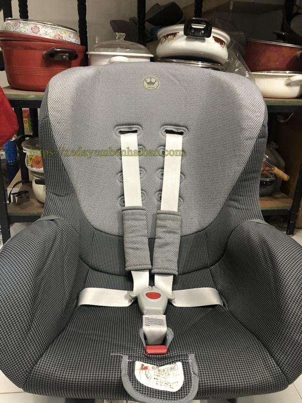 Ghế ngồi ô tô Nhật nội địa cho bé 5