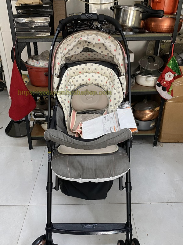 Xe đẩy trẻ em thanh lý Combi Mechacal Handy 1
